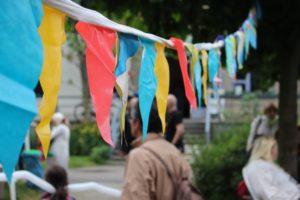 Wimpel-Kette auf dem Sommer-Fest.