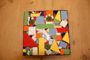 Ein kleines Mosaik in einem Rahmen ist entstanden.